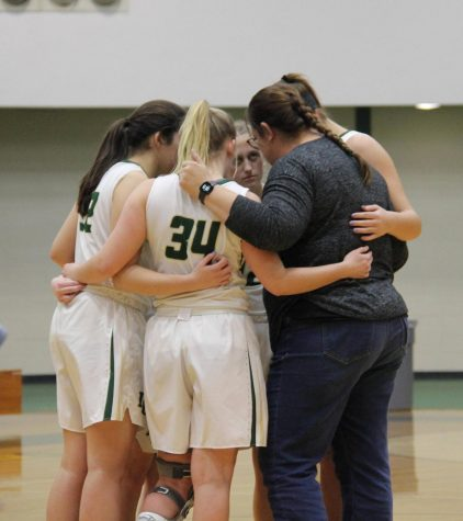 Varsity Girls Basketball Finds Harmony With New Coach